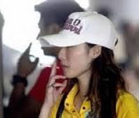 皆藤愛子の喫煙画像