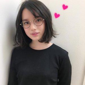 弘中綾香のメガネ